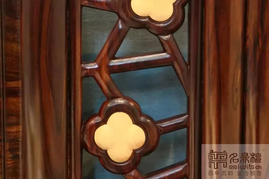8.13红木家具5.jpg